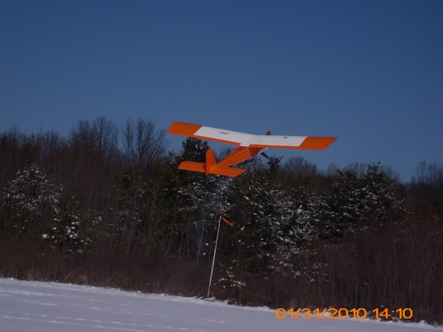 snow-flying-2010-007