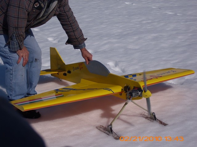 snow-flying-2010-071
